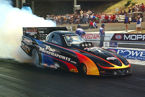 Auto  Racing on Drag Racing Picture Of The Day   Photo Review  2003 Nhra Mile High