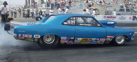 The blue 66 Chevelle belongs to Scott Sandvigen from Snohomish, Washington. It has a 565ci BBC and runs SC.
