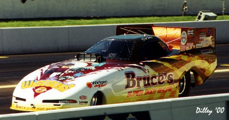 Scott Weis's Bruce's Super Body Shops Corvette Funny Car 2000. Photo by Ron Dilley