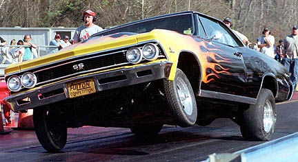 Gene Fulton power is trying to twist this Chevelle in half! Photo thanks to David Whitewolf