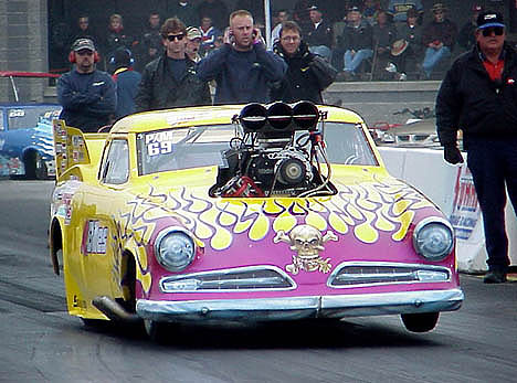 Al Billes, one of the original Pro Mod campaigners, came back after flirting with alky funnies. Photo by Brian Wood