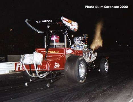 Mousie Marcellus' Winged Express Fuel Altered at the 2000 NIghtfire meet. Photo by Jim Sorenson