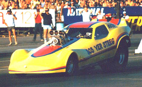 Bob Ver Steeg's alcohol Corvette took part in those great 64-car Seattle FC shows. Photo by Ralph Reiter