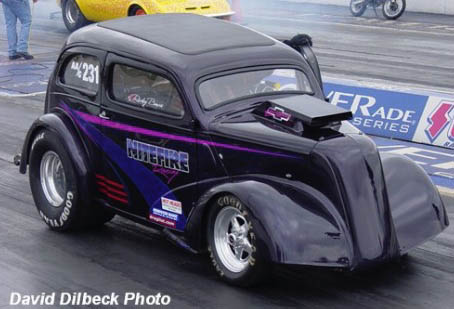Rickey Bowie led the Classic Thunder Gassers into battle at NMCA Atlanta. Photo by David Dilbeck