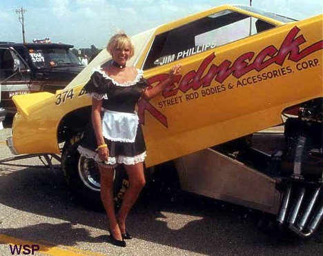 Maid service, anyone? The crewperson with the Redneck Street Rods Lincoln Mark VII caused quite a stir at Indy 2000. Photo by Wes Shuman/David Ray