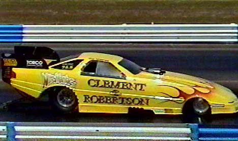 Joe Clement has once again taken the plunge, this time with a full blown Federal Mogul Funny Car effort. Photo thanks to Joe Clement