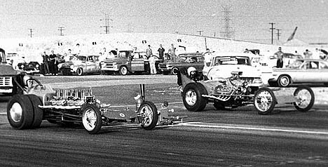 Lefty Mudersbach vs. Don Yates in Dick Goss's machine at San Gabriel 1962. Photo by Steve Gibbs