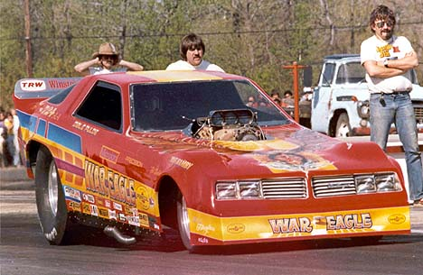 Dale Pulde in the Hamby and Pulde War Eagle Dodge Challenger. Note Berserko with half a beard. Photographer unknown