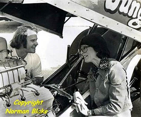 Two of the sport's biggest stars have a chat back in 1975. Photo by Norman Blake