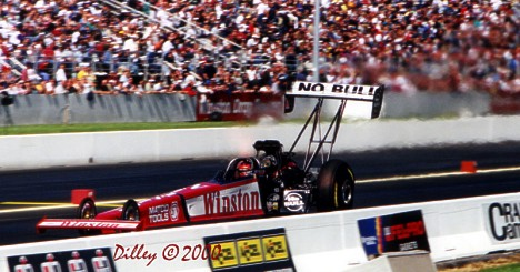"Gary Scelzi heats up the frigid air at the Keystone Nationals 2000. Photo by Ron ""Ice Cube"" Dilley"