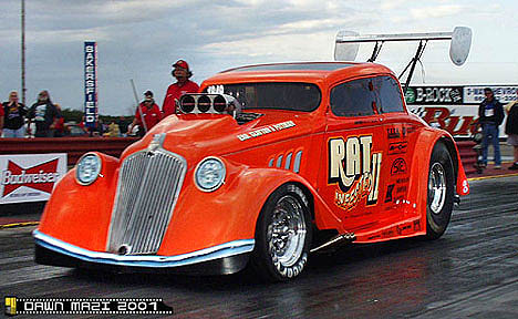 Bob Clayton's awesome Rat Infested Willys is about the slickest nostalgia bodied gasser out there. Photo by Dawn Mazi-Hovsepian