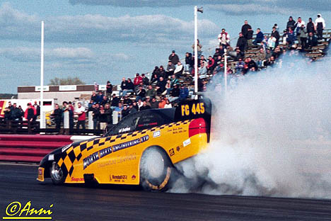 Alan Bates' British Fuel Funny Car lays down some smoke. Photo by Anni Valder