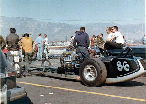 The Buehl and Stampher digger at Irwindale, January 1966. Photo by Paul Hutchins