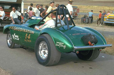 Art Ward in Roger Guzman's AA/Modified Sport Austin Healy 3000. Photo by Pete Garramone