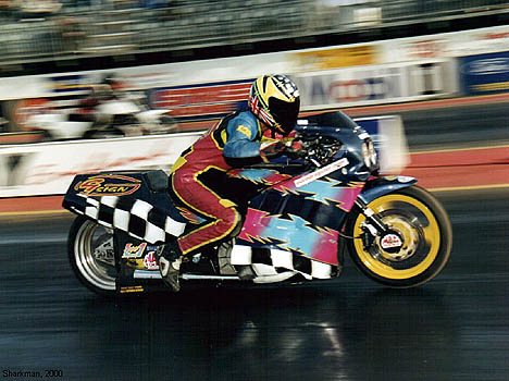 2000 ACU Super Street Bike Champion, Graham Dance, otherwise known as 'The Daddy.' Photo by Sharkman