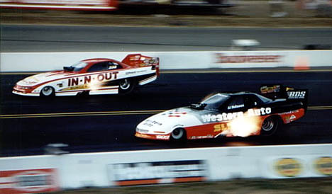 Mark Oswald and Al Hoffman go at it in 1995 at the NHRA Northwest Nationals. Photo by Ralph Reiter