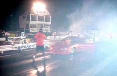 Billy Farmer and Marc Hayes back up through burnout smoke before the final. Tim Pratt photo
