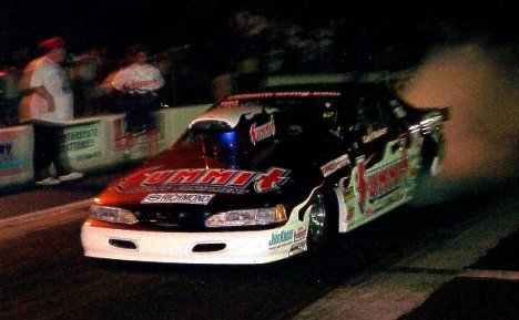 Carl Baker won the 2000 MIR Mountain Motor Nationals Wednesday night. Photo by Charlie Willis