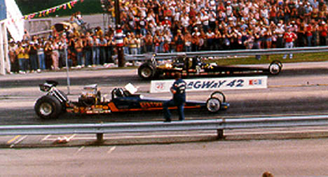 The Alcohol Dragster final had Dan Nimmo (near lane) defeating Kevin Geiger. Photo by Rick Howard