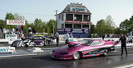 Crew chiefs turn on the data recorders as Steve Cossis and Matt Deitch face off in the NPSA final. Photo by Tim Pratt