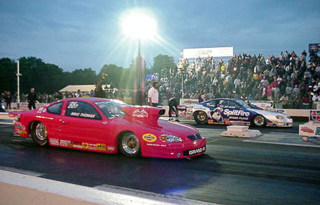 Mike Thomas vs. Jim Yates. Jim qualified; Mike didn't. Photo by Tim Pratt