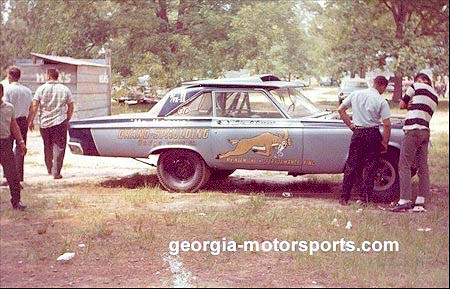 The Phenix City pits in 1965 were sparse indeed. Photo by Jerry Battle