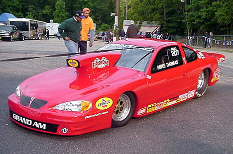 The sleek new 2001 Grand Am of Mike Thomas looked great. Photo by Tim Pratt