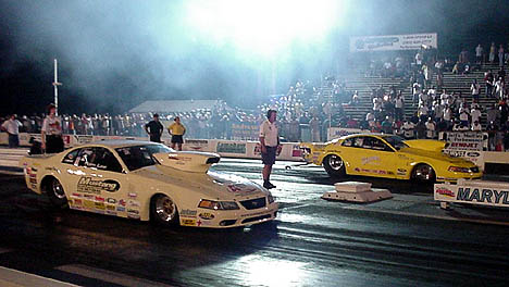 Tom Lee faces off against Terry Leggett in the final round at MIR. Photo by Tim Pratt