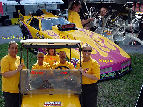 Don and Sharon Roddy and their all-girl crew are looking to make waves in DRL/SFC competition. Photo by Bob Gettys