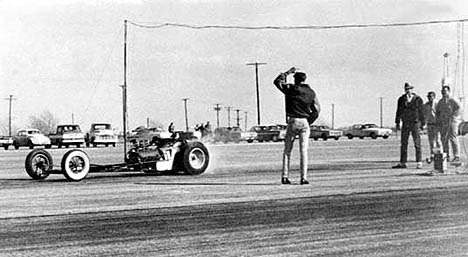Harold Bettes hits the strip in 1961 in his first digger. Photo thanks to Harold Bettes