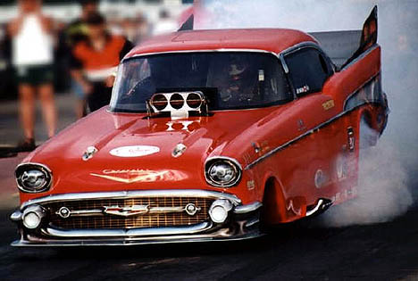 Jay Mageau and the IBAA put on a terrific show with their 7.50 funny car circuit. Photo by Cheryl Oganowski