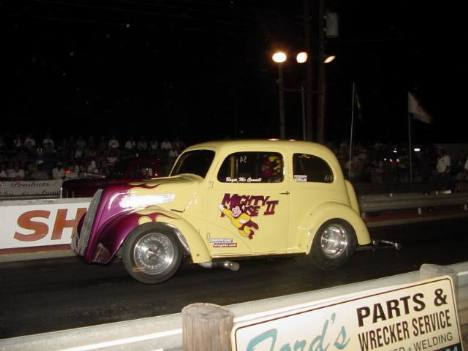 The usually-tough Mighty Mouse was off the pace, lost to Plum Gone. Roger Richards photo