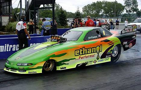 Hometown hero Mark Thomas put the Ethanol Performs machine into the early number two spot. Photo by Vic Cooke