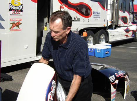 Bob Glidden was in the pits helping out Mark Pawuk with the Summit Pro Stock.